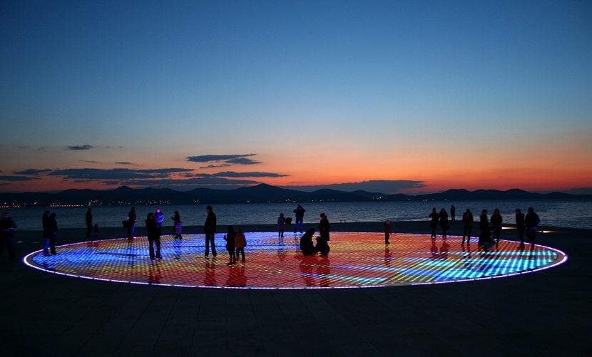 """Em Zadar (Croácia) há um órgão marítimo e uma """"saudação ao sol""""!"""