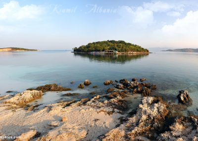 "Ksamil, Albânia. Foto: <a href=""https://visualhunt.co/a4/9925cb"">Imir Kamberi</a> on <a href=""https://visualhunt.com/re6/f5bbf1ed"">VisualHunt</a> / <a href=""http://creativecommons.org/licenses/by-nc-sa/2.0/""> CC BY-NC-SA</a>"