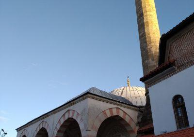Mesquita em Djakovica/Gjakove no Kosovo