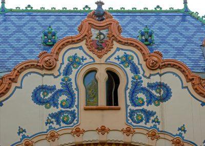 Detalhe de edifício Art Nouveau na cidade sérvia de Subotica