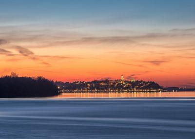 Bairro de Zemun e rio Danúbio no pôr do sol. Belgrado, Sérvia