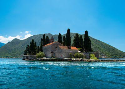 Ilha de São Jurat na Baía de Kotor, Montenegro